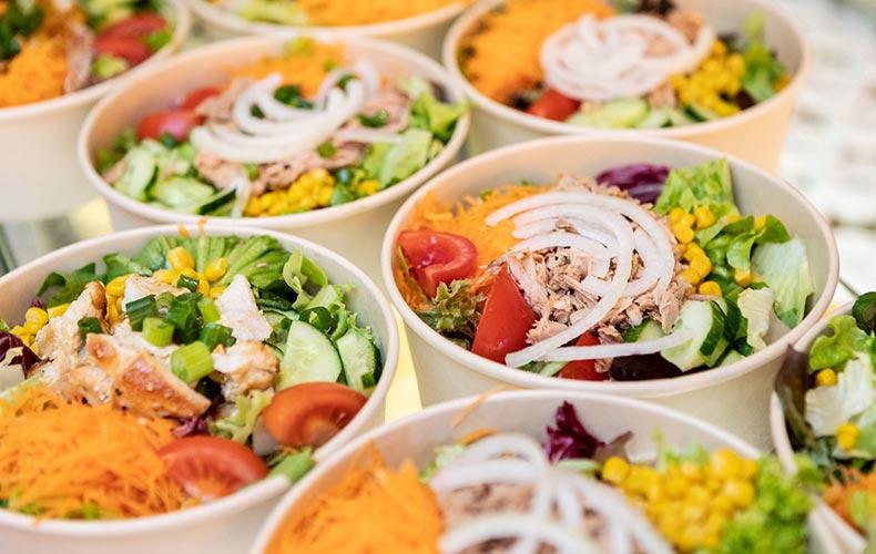 frische saisonale Salate